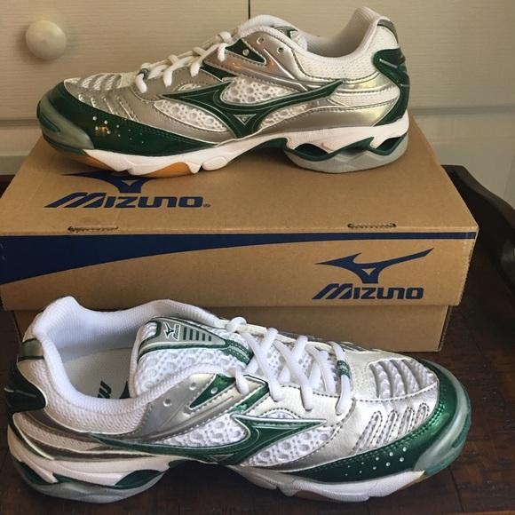 7d19229bc5ba Mizuno Shoes   Tennis Shoe   Poshmark